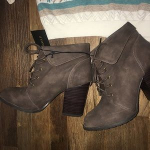 New!! Forever 21 boots
